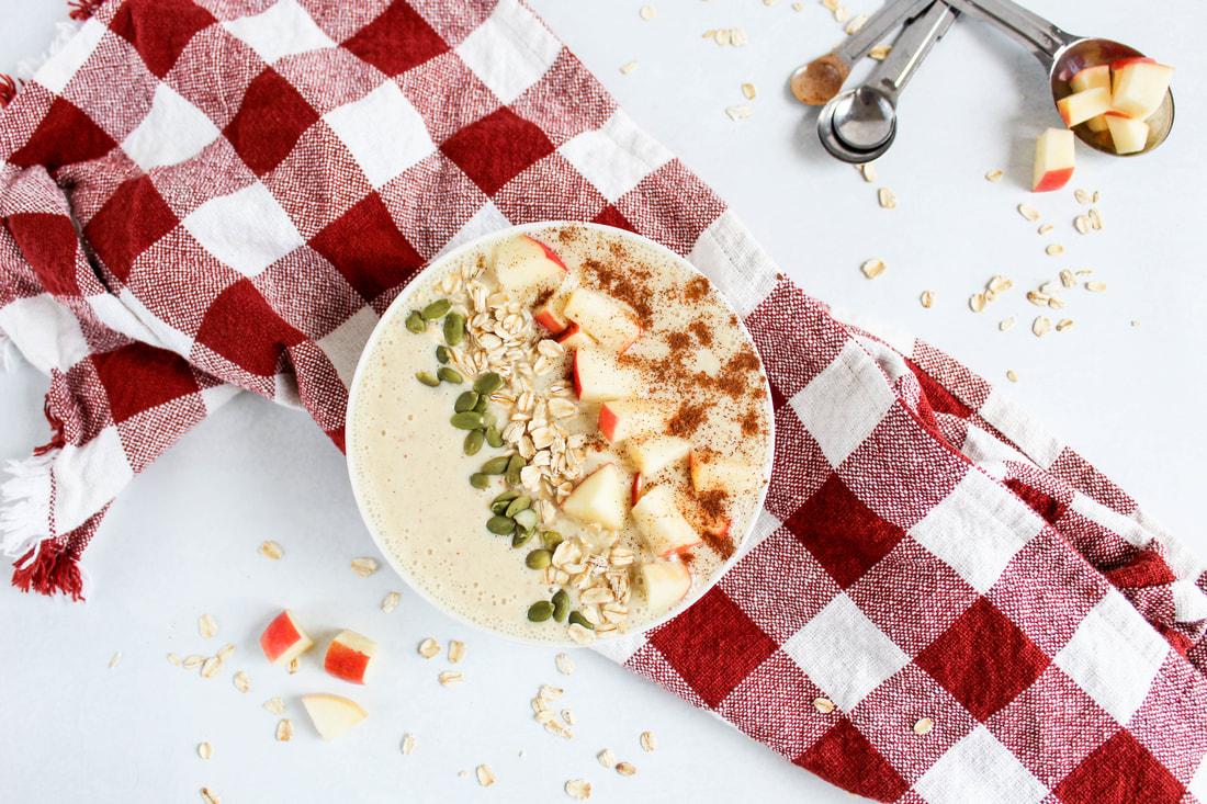 apple pie smoothie bowl with apples cinnamon apple cider greek yogurt